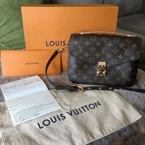 2018 Louis Vuitton Pochette Metis crossbody Bag